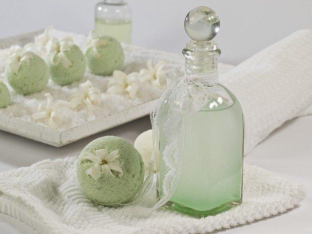 リボーン(Re :BORN)化粧水の口コミ評価と使い方!値段や店舗、通販情報をチェック