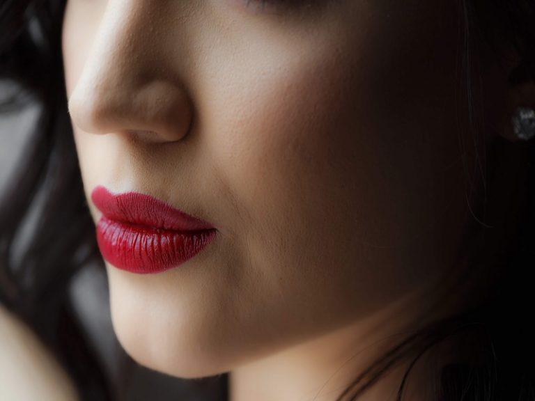 【美容専門家監修】肌に潤いを!潤いを与える乾燥肌にオススメの商品は?
